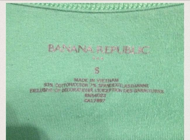 Banana Republic Top Coral Red. Green
