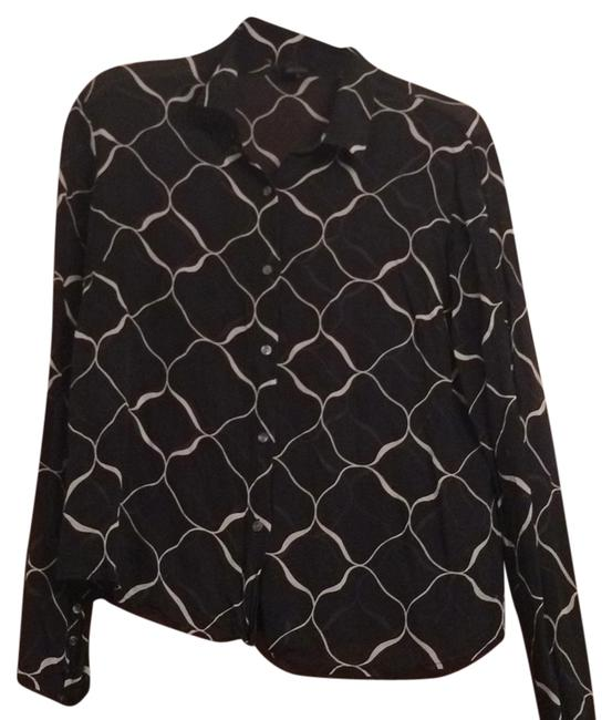 Preload https://img-static.tradesy.com/item/8326189/new-york-and-company-blackwhite-button-down-blouse-size-14-l-0-3-650-650.jpg