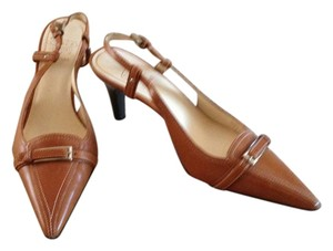 Circa Joan & David cognac Pumps