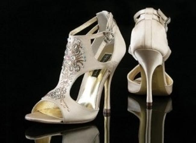 Item - Silver Silk Madrid Formal Size US 7.5