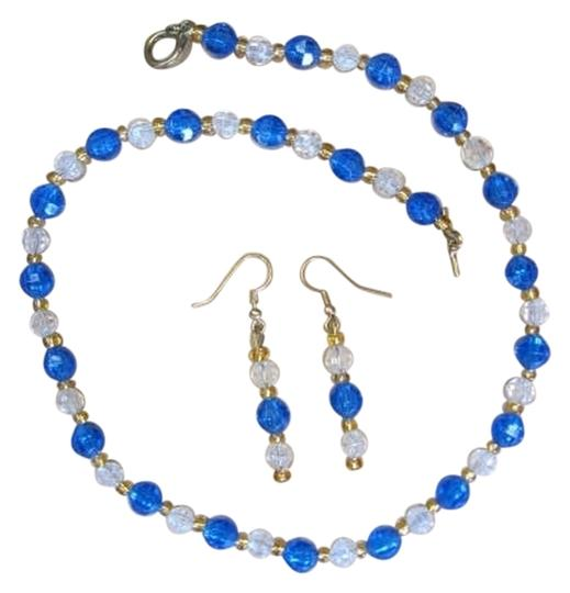 Preload https://img-static.tradesy.com/item/833970/goldtone-blue-clear-new-set-small-beads-necklace-0-0-540-540.jpg