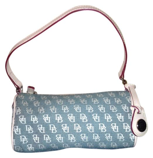 Preload https://item2.tradesy.com/images/dooney-and-bourke-green-and-white-shoulder-bag-834806-0-0.jpg?width=440&height=440