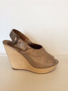 Twelfth St. by Cynthia Vincent Leather Sandals Rose gold Wedges