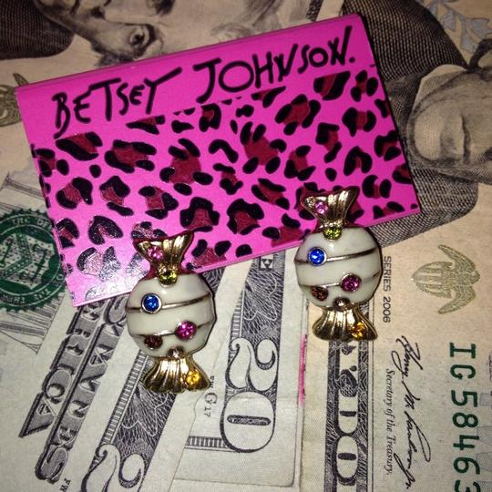 Betsey Johnson New Betsey Johnson Earring