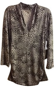 Vince Camuto Animal Print Comfortable V-neck Scrunched Office Professional Low Neckline Top Grey-Animal Print
