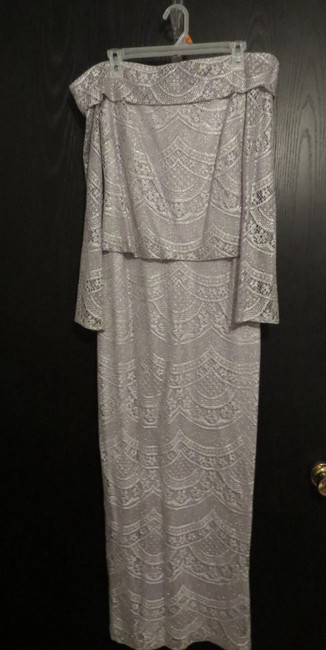 Item - Silver Stretch Lace/ Lined Formal Bridesmaid/Mob Dress Size 6 (S)