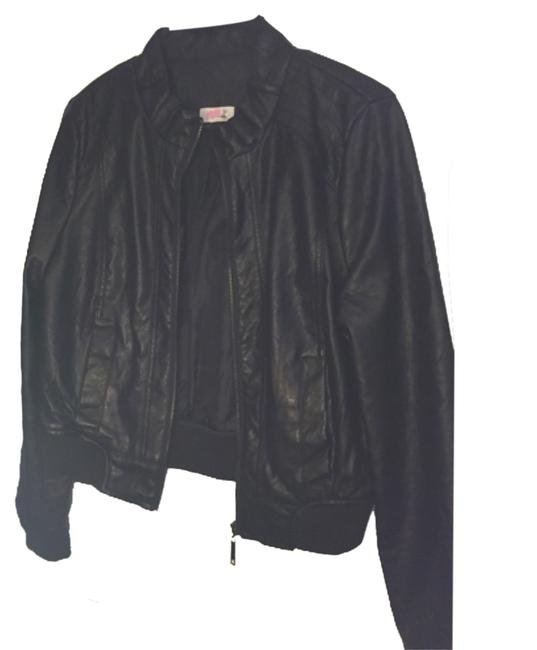 Preload https://img-static.tradesy.com/item/8374087/blac-leather-jacket-size-4-s-0-2-650-650.jpg