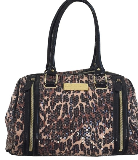 Preload https://img-static.tradesy.com/item/8374105/betsey-johnson-satchel-0-2-540-540.jpg
