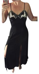 Zum Zum by Niki Livas Holiday Fun Comfy Comfortable Homecoming Prom Trend Trendy Classy Dress