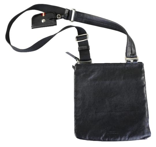 Preload https://img-static.tradesy.com/item/8381437/bally-genuine-black-leather-messenger-bag-0-1-540-540.jpg