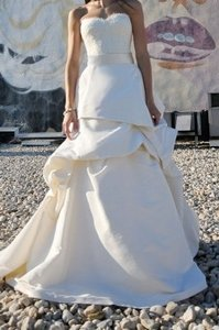 Monique Lhuillier Ivory Silk & Lianne Formal Wedding Dress Size 2 (XS)