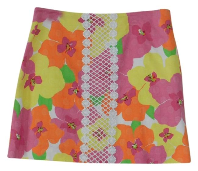 Preload https://item4.tradesy.com/images/lilly-pulitzer-floral-miniskirt-size-8-m-29-30-838878-0-0.jpg?width=400&height=650