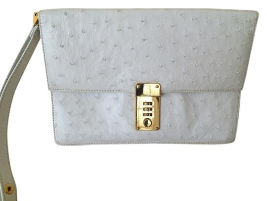 Preload https://img-static.tradesy.com/item/8389138/genuine-purse-with-a-combinational-code-lock-closure-white-ostrich-leather-wristlet-0-2-540-540.jpg