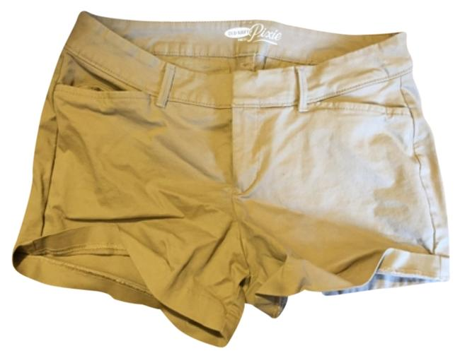 Preload https://img-static.tradesy.com/item/8391982/old-navy-khaki-bermuda-shorts-size-4-s-27-0-1-650-650.jpg