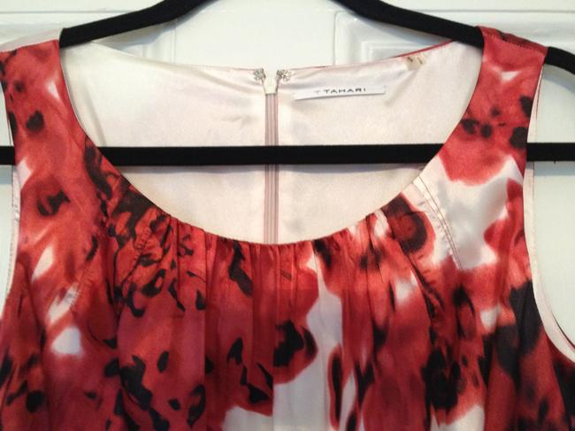 T Tahari Summer Floral Top Red, black and white