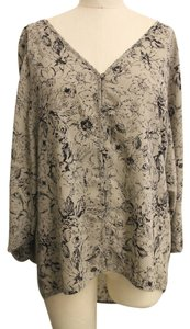 KUT from the Kloth V-neck Floral Tunic