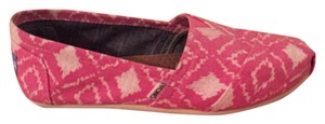 Toms slip in pink and white ikat patterned shoe Flats