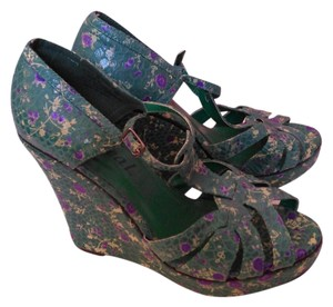 Wet Seal Turquoise with flower pattern Wedges