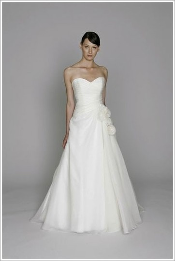 Monique Lhuillier Ivory Organza Bliss Collection Feminine Wedding Dress Size 4 (S)