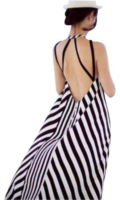 """Item - Black and White The """"gia"""" Long Night Out Dress Size 8 (M)"""