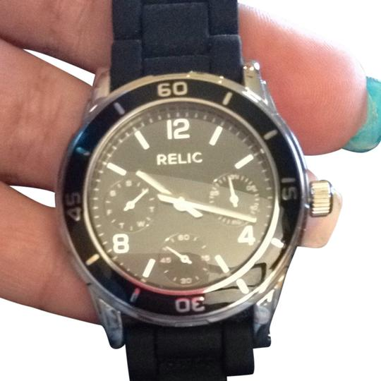 Preload https://img-static.tradesy.com/item/841935/relic-black-face-and-band-watch-0-0-540-540.jpg