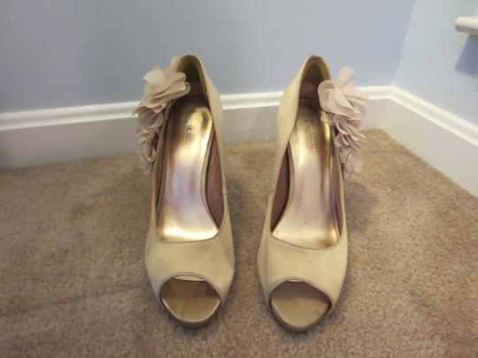 Nine West Flower Peep Toe Embellishment Gold/Nude Platforms