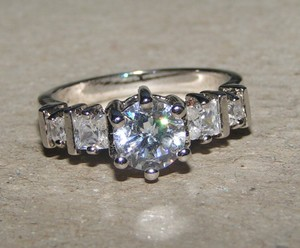 Beautiful Classic Engagement Promise Wedding Ring Free Shipping