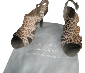 Donald J Pliner Animal Print Leather Leopard Brown Sandals