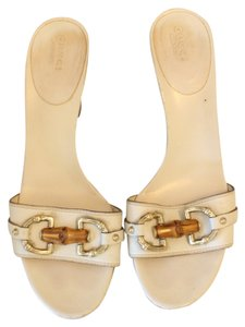 Gucci Horsebit Leather Studded Noho White Pumps