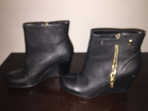 Chinese Laundry Wedge Zippered Black Boots