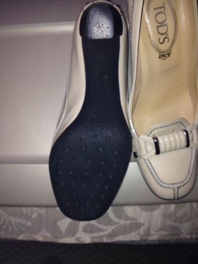 Tod's Buckle Cream Patent Leather Pumps Image 3