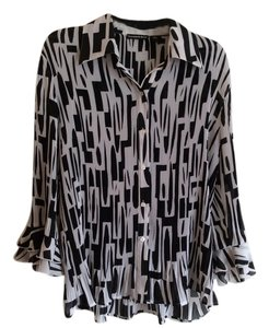 Essentials by Milano Top Black and white
