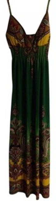 Preload https://img-static.tradesy.com/item/8434/she-s-cool-green-patterned-long-casual-maxi-dress-size-8-m-0-0-650-650.jpg