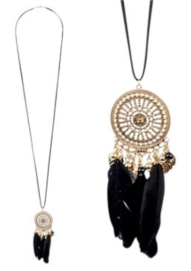 Preload https://item3.tradesy.com/images/forever-21-black-gold-dream-catcher-boho-feathers-necklace-8442-0-0.jpg?width=440&height=440