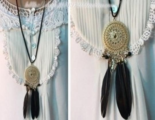 Forever 21 FOREVER 21 Dream Catcher necklace boho feathers