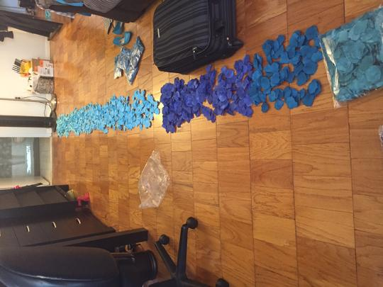 Blue/Teal Ombre-style Silk/Artificial Rose Petals Ceremony Decoration