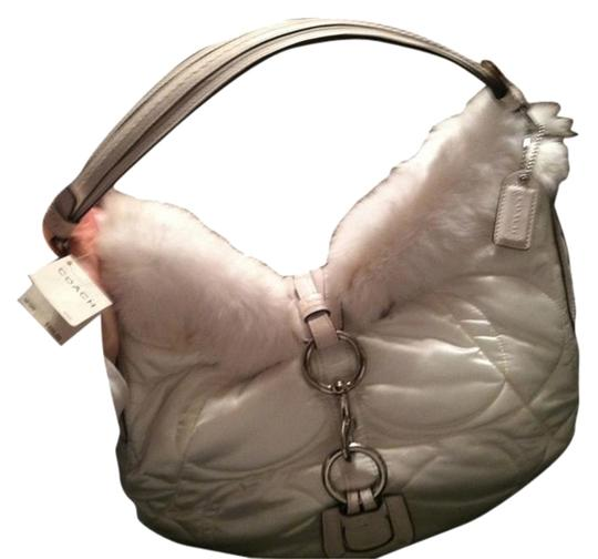Preload https://img-static.tradesy.com/item/8445040/coach-new-tags-large-soh-ski-white-leather-quilted-satian-with-fur-trim-hobo-bag-0-2-540-540.jpg
