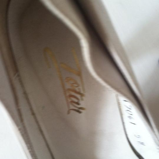 totar Special Winged Size 5 white Pumps Image 1