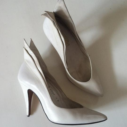 totar Special Winged Size 5 white Pumps Image 2