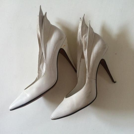 totar Special Winged Size 5 white Pumps Image 4