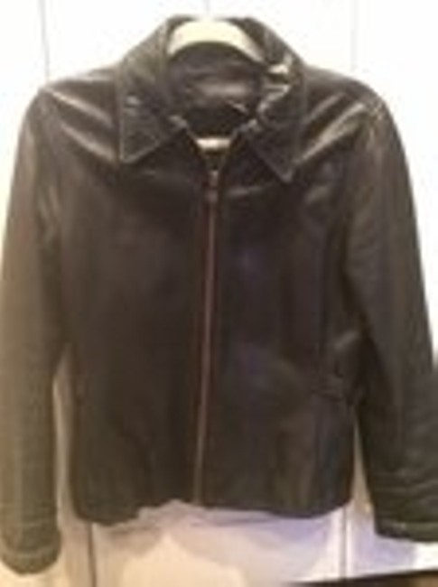 Preload https://img-static.tradesy.com/item/8448421/banana-republic-black-leather-moto-motorcycle-jacket-size-2-xs-0-0-650-650.jpg