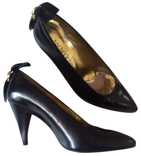 Charles Jourdan Classic Bow Size 5 Black Pumps