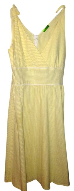 Preload https://img-static.tradesy.com/item/844987/pale-yellow-and-white-knee-length-short-casual-dress-size-12-l-0-0-650-650.jpg