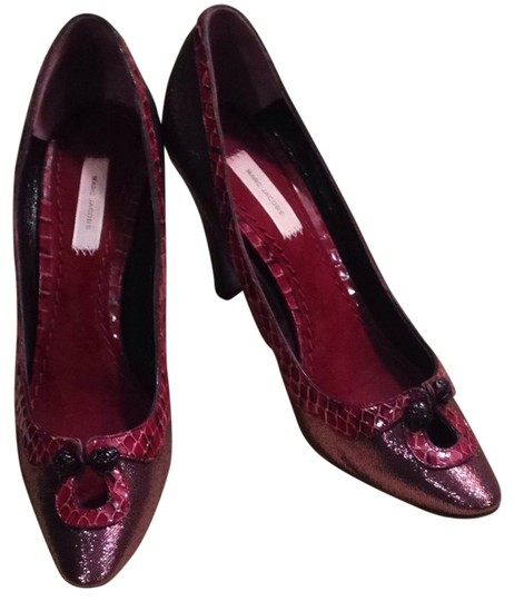 Marc Jacobs Burgundy Pumps