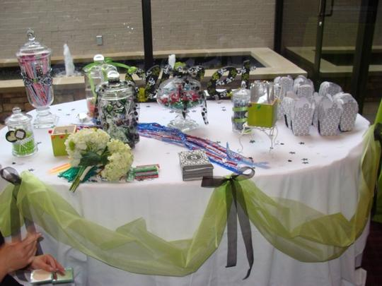 Other Black White and Green Decor Tumbler Glasses And Reception Decoration