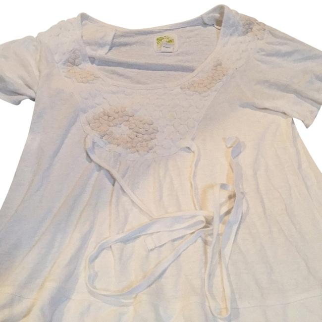 Preload https://img-static.tradesy.com/item/8461735/anthropologie-off-whitecream-small-medium-stylish-feminine-figure-flattering-tee-shirt-size-6-s-0-2-650-650.jpg
