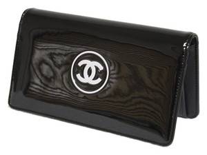 Chanel New Chanel Patent Leather Coco Wallet Bag