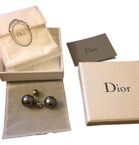 Dior BNIB 100%AUTHENTIC Christian Dior Mise En Dior Tribal Gray Pearl Earrings