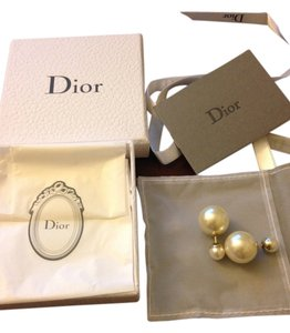 Dior BNIB 100%AUTHENTIC Christian Dior Mise En Dior Tribal Ivory Pearl Earrings