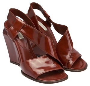 Marc Jacobs Burgundy Wedges